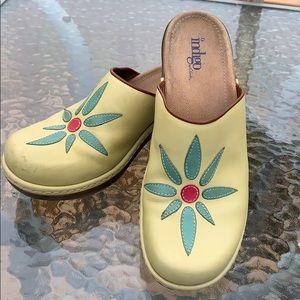 Clark's Flower Clogs 🌼